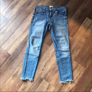 Zara Distressed raw hem skinny jeans size 8